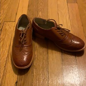Size 7.5 Wanted sneaker